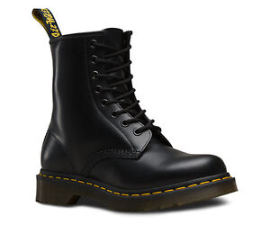Black Classic Dr Martens Cornwall Ontario image 1