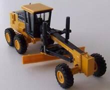 ERTL John Deere Tractor Road Grader Model #37013 1:50 Scale North Haven Port Adelaide Area Preview
