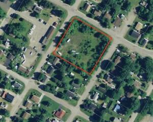 Large central vacant lot -ready for your development ideas!