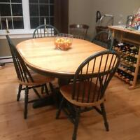 canadian made solid maple pedestal table with 4 chairs