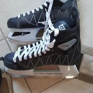 CCM intruder man's new hockey skates size 12