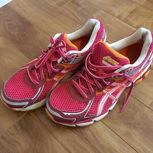 Running Sneakers - Asics (worn once)