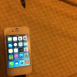 Apple iPhone 4 - White 8gb with bell