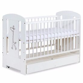 Baby cot almost new