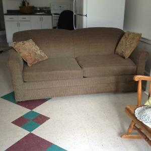 Sofa bed buy or sell a couch or futon in vancouver for Sofa bed kijiji