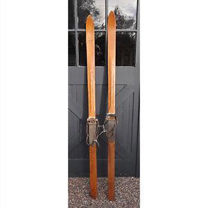 Chalet Harvey E. Dodds Wooden Skis