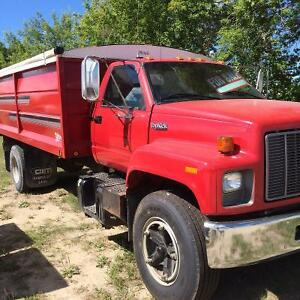 1995 GMC Top Kick 3 ton grain truck