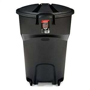 Rubbermaid Roughneck 32-Gallon Black Garbage Can with Lid