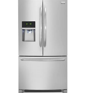 Refrigerateur Frididaire Gallery 22.6 cu ft stainless steel