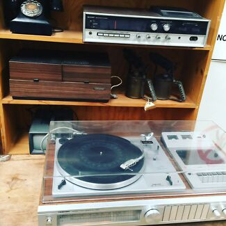 Toshiba turntable and tape deck