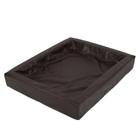 Dog bed in elegant artificial leather and memory foam. Tobacco Brown: 120 x 100 cm (L x W)