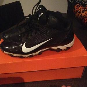 Football/multi sport runners with cleats