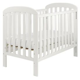 Baby Cot in good condition with metress