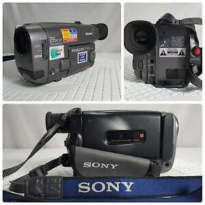 Sony Handycam CCD-TRV22 Video Camcorder Hi8 (practically new)