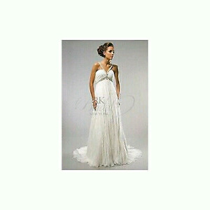 Alfred sung wedding dress ***MUST SELL***