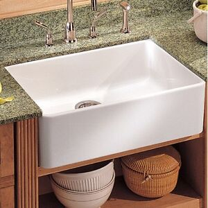 White Kitchen Sink - Farmhouse