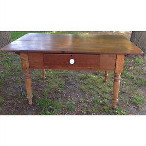 Antique Canadian Peg Table