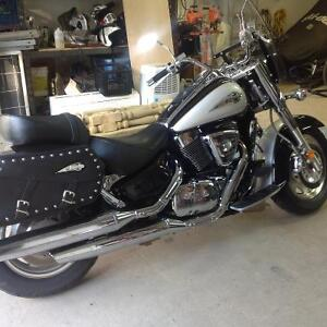 Suzuki intruder VL1500 voir description