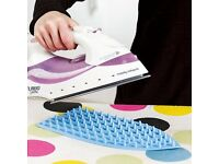 Silicone Iron Mat.This perfect heat resistant ironing companion