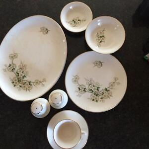 Collection of Georgian China Spring Blossom