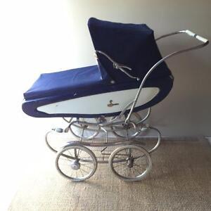 English pram / baby carriage