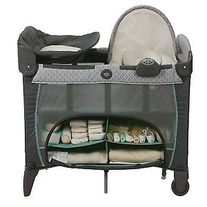 Pack n Play w/ Basinet and Change table