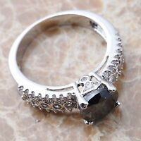 Beautiful sterling silver size 8 black onyx ladies ring
