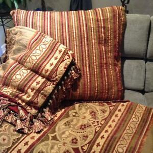 KING Size Comforter Cover, Pillow Shams & Large Accent Pillow