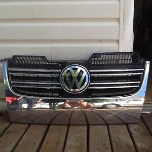 2006,2007,2008,2009,2010 Volkswagen Jetta grille - VW Factory