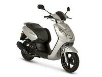 PEUGEOT KISBEE 50CC SCOOTER - SILVER - BRAND NEW - UNREGISTERED - TANK OF FUEL