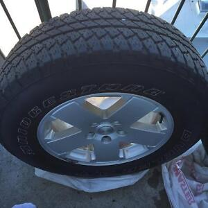jeep stock wheels and tires pneus 255/70R18-