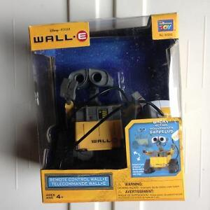 NIB Disney Wall-E Télécommande collection Robot
