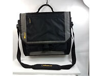 Targus CityGear 17 Inch Laptop Messenger Bag Case Grey and Black