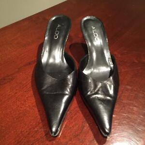 Women shoes black leather