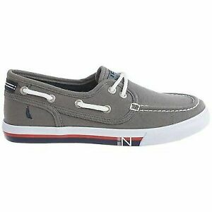 Nautica Boys Spinnaker Boat Shoe size 3 (Youth not Toddler)