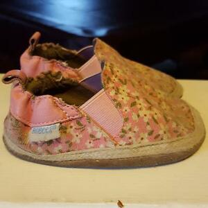 GIRL SHOES.... size 5 Cambridge Kitchener Area image 2