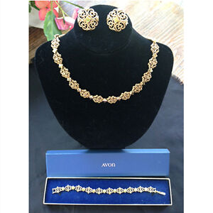 Vintage Avon Jewellery Set