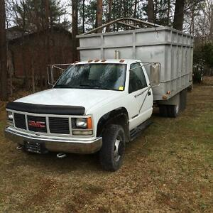 GMC 3500 for sale with 12' aluminum dump box