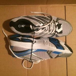 Running/jogging shoe Man (Size 7) (New)