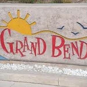 Looking for 2 or 3 cottages in Grand Bend Village
