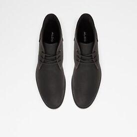 Chucka boots size 9.5
