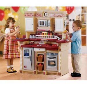 Cuisinière, table Mammut / Ikea, Little People, cage Vetérinaire