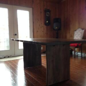 Belle grande table rustique