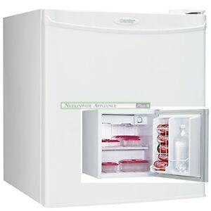 fridge 1.7cu danby white-dcr054-clearance sale-$49.99-NO TAX