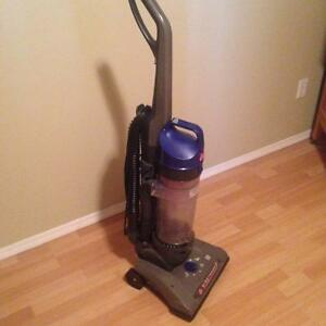 hoover wind tunnel high capacity vacuum
