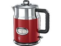 Red retro Russell Hobbs kettle