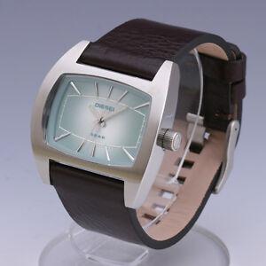 DIESEL Men's Leather Strap Wrist Watch