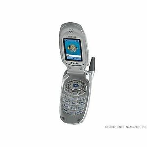 samsung flip phone. samsung a500 for bell, flip phone mint condition