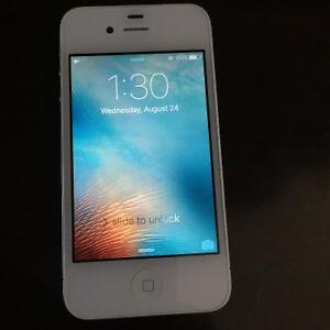 Iphone 4s 8GB Bell/Virgin - White - Excellent Shape