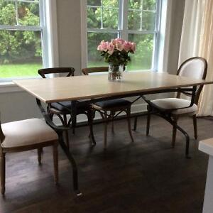 Beautiful French Dinning Table West Island Greater Montréal image 1
